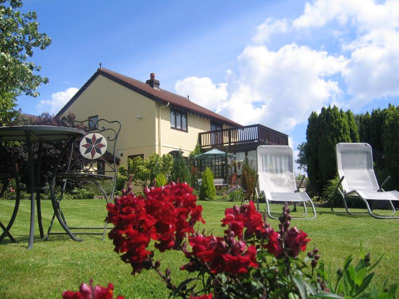 Ty Castell Home Kingfisher - 4 Sterne Bed And Breakfast im Tal Towy Carmarthen, Wales, UK