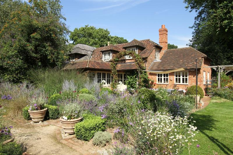 Bootmenders is set in the heart of Hampshire's countryside
