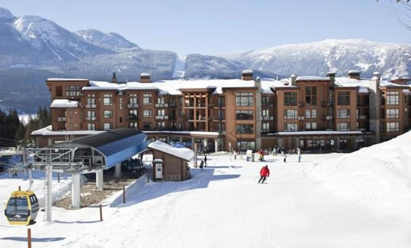 Our ski-in/ski-out condos have an unbeatable location.