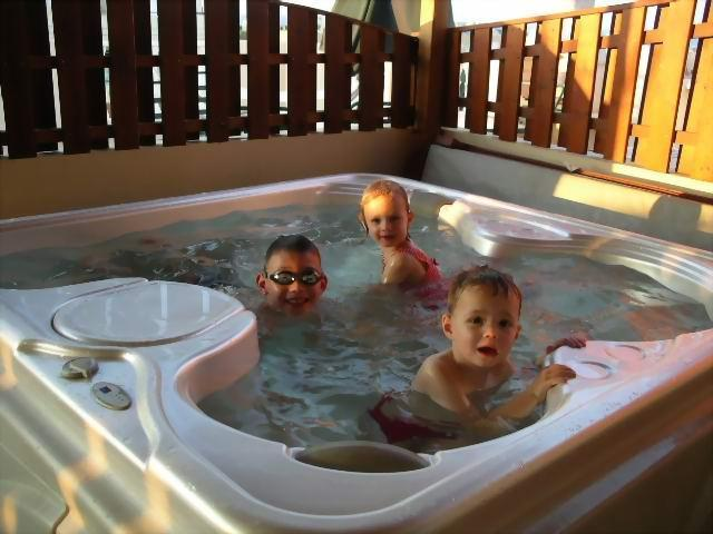 Relax in your private JACUZZI SPA