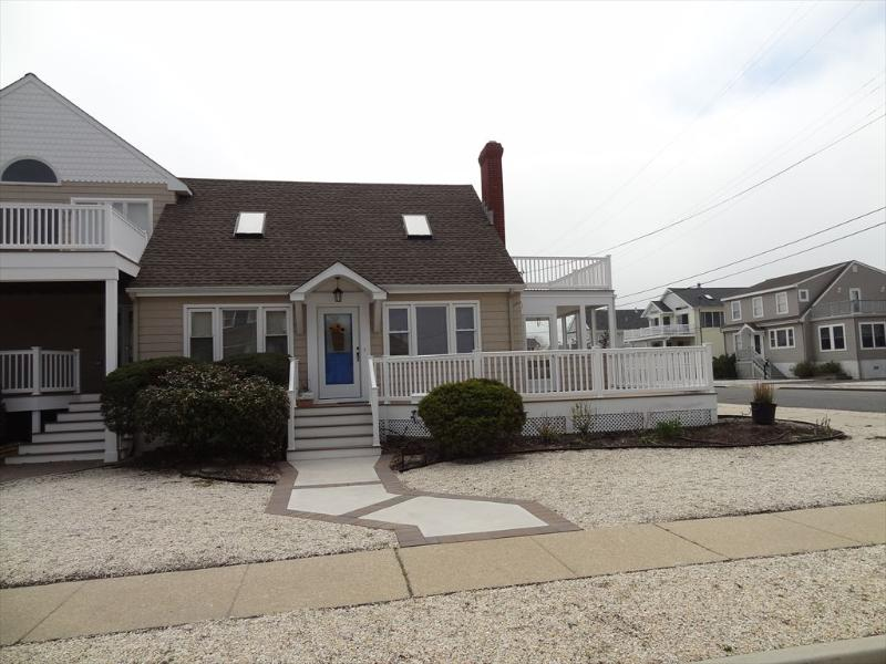 8730 Sunset Dr. Stone Harbor NJ Exterior View