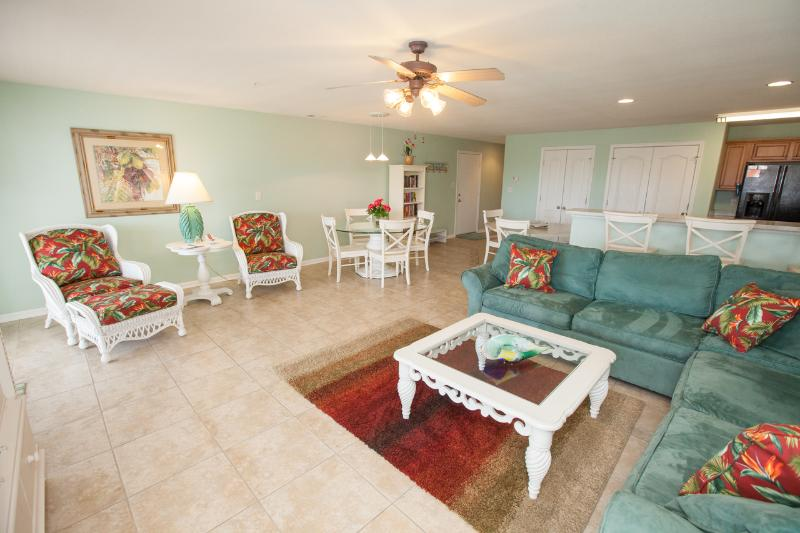 Tropical Breeze will soothe your spirit and make your vacation a tropical paradise! - Image 1 - Virginia Beach - rentals
