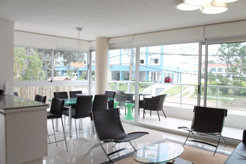 Open view to Living room - Fresh apartment in Punta del Este 2PAX - Punta del Este - rentals