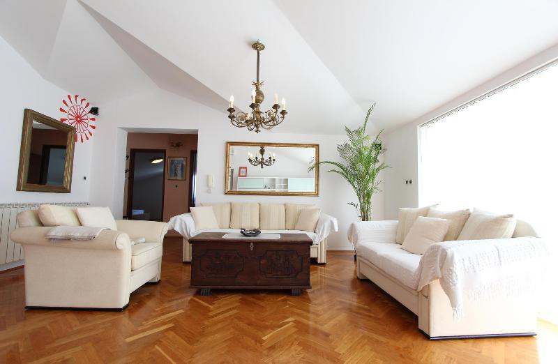 Luxury 2 Bedroom Apt - AMBIENTI - Image 1 - Rovinj - rentals