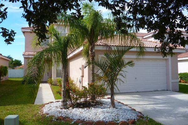 Silver Lakes 4- Bedroom Beauty (Pool in front of House) - Image 1 - Pembroke Pines - rentals