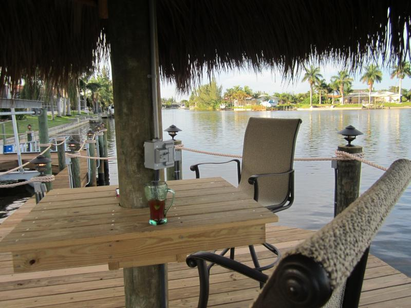 Tiki Hut overlooking 4 intersecting saltwater canals