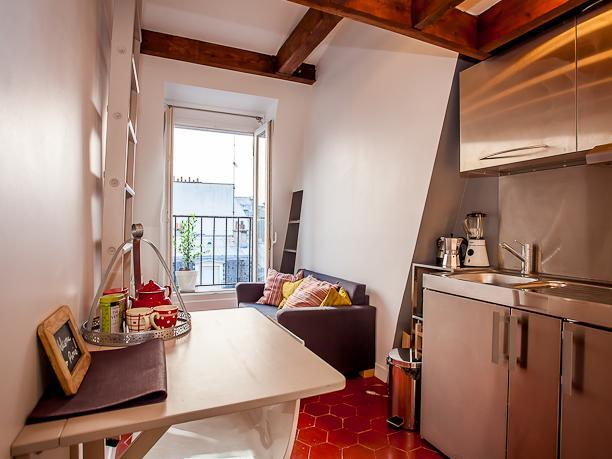 Studio with balcony - Quartier Latin - Image 1 - Paris - rentals