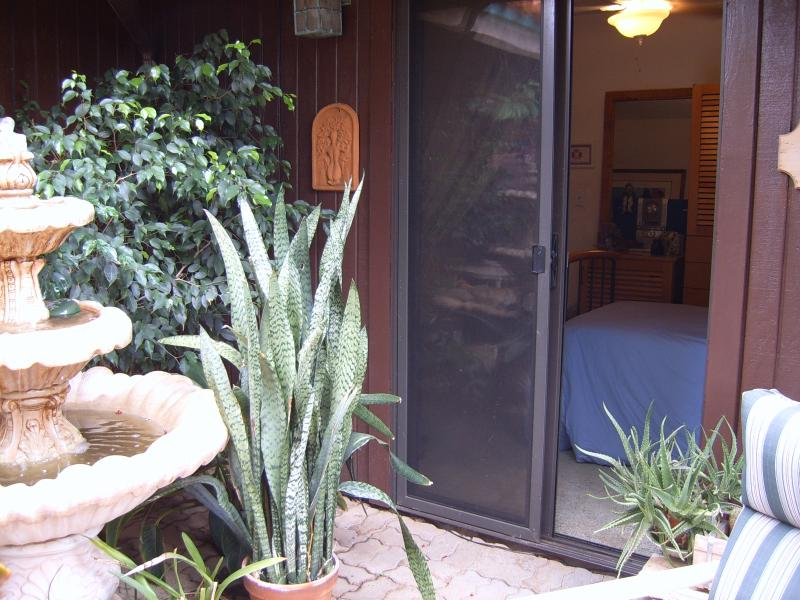 ENTRANCE TO ROOM FROM GARDEN - Studio Bed Room In A Private House With Own Entrance - Wailea-Makena - rentals