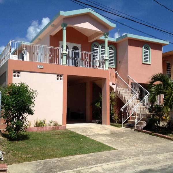 Three bedroom house with AC in all areas