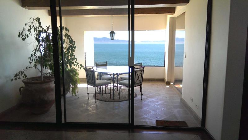Enjoy the ocean from the comfort of the balcony - Spectacular Ocean Front View Condo... Sleeps 5 - Ensenada - rentals