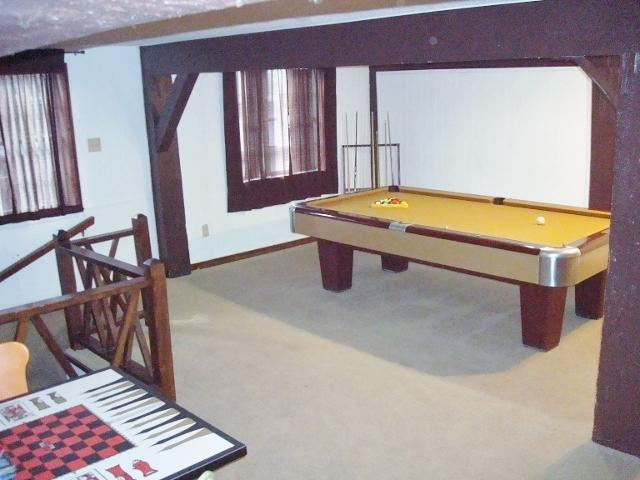 4 1/2 x 9 ft. Brunswick Pool Table - Game Room