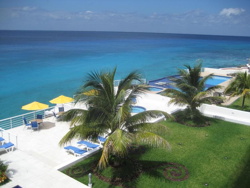 View from balcony - 3 Bedroom/3 bath condo, Luxurious oceanfront - Cozumel - rentals