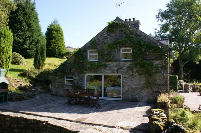 view of reverside patio - Remote Holiday Cottage in Snowdonia National Park - Dolgellau - rentals