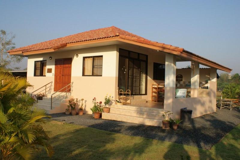2 bedroom bungalow 20 km east of Chiang Mai - Image 1 - Chiang Mai - rentals
