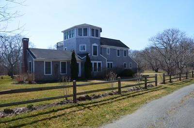 4 Bedroom 3 Bathroom Vacation Home In Katama - Image 1 - Edgartown - rentals