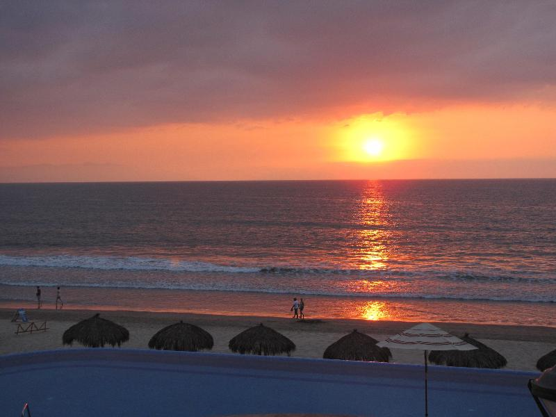 Watch the spectacular sunsets every night - Luxury OceanFront Condo in Nuevo Vallarta - Nuevo Vallarta - rentals