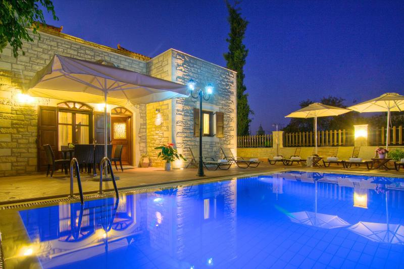 Executive family villa Elia with private pool - Image 1 - Atsipópoulon - rentals