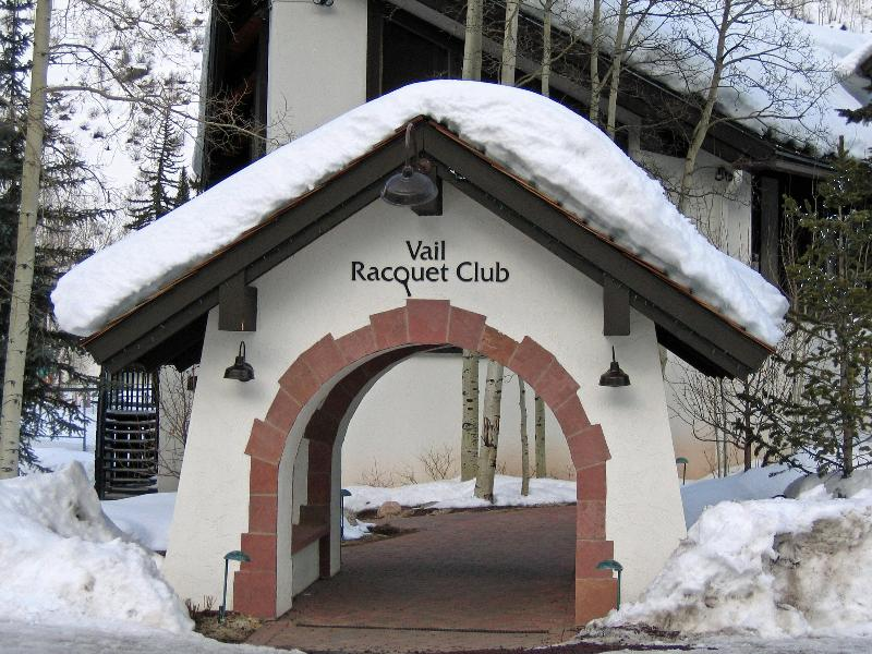 Vail Racquet Club Mountain Resort Entrance - Amazing Location, Best Rates. Book your vacation! - Vail - rentals