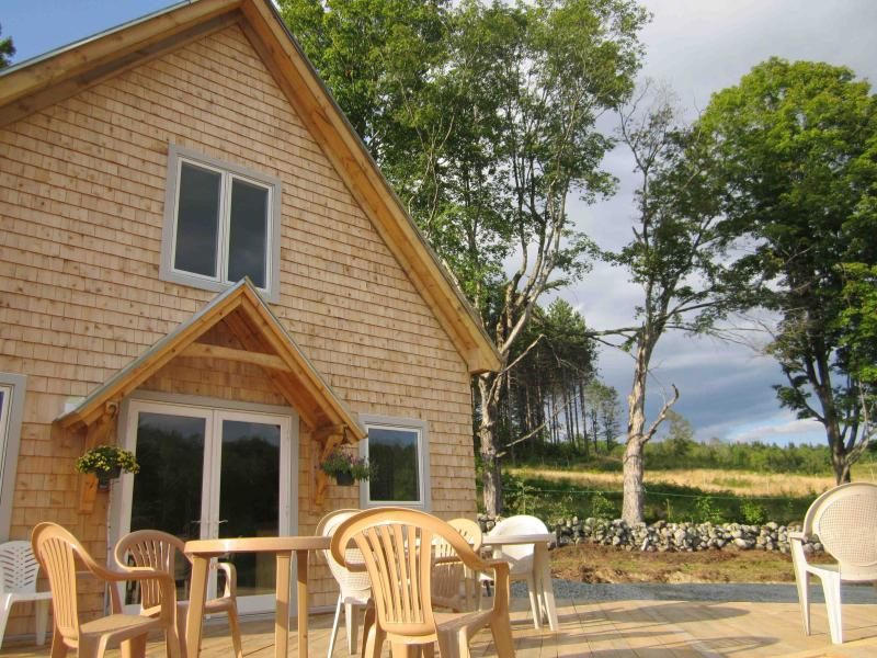 The front view of the Cottage at Galusha Hill Farm