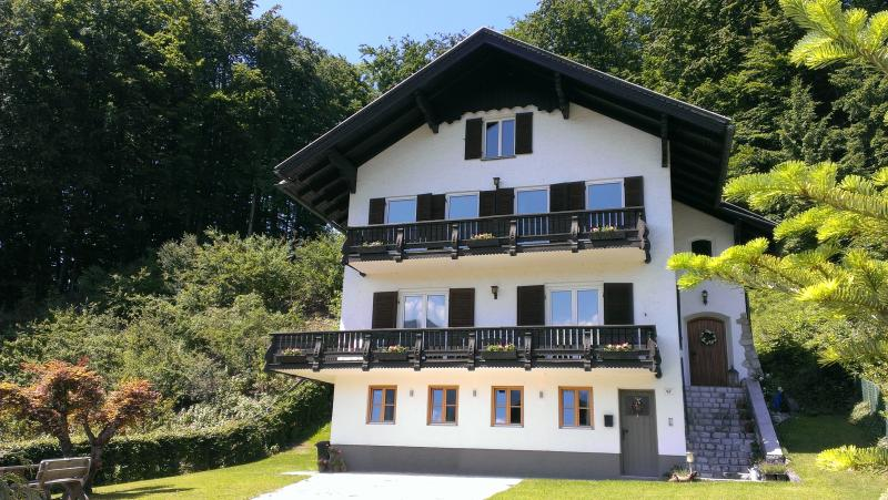 Howling Wolf Four/Five Bed Chalet, Sankt Wolfgang