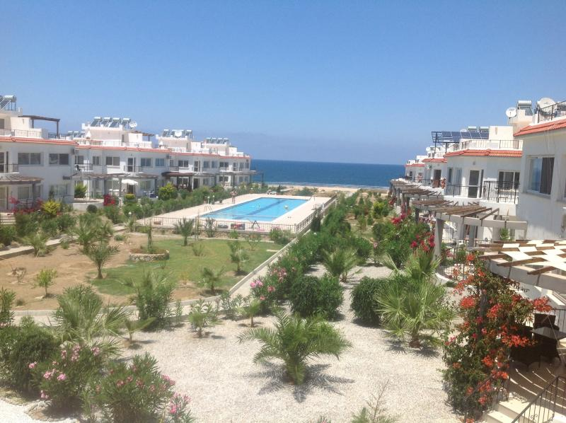 Place in the sun with Olympic  sized Communal swimming pool. Satellite TV and Wifi.