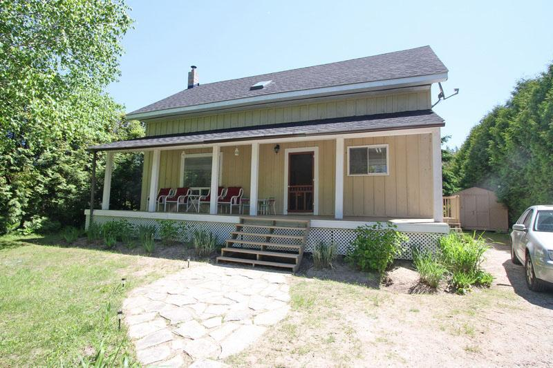 Sunshine cottage (#559) - Image 1 - Sauble Beach - rentals