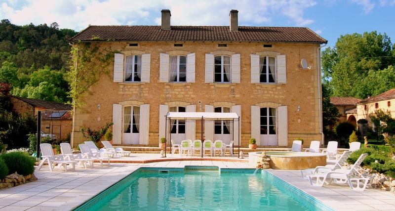 Manoir Seguinet with heated swimming pool
