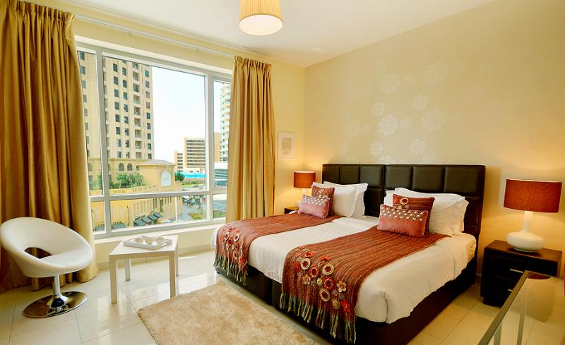 Overlooking view of the road and JBR from the Bedroom