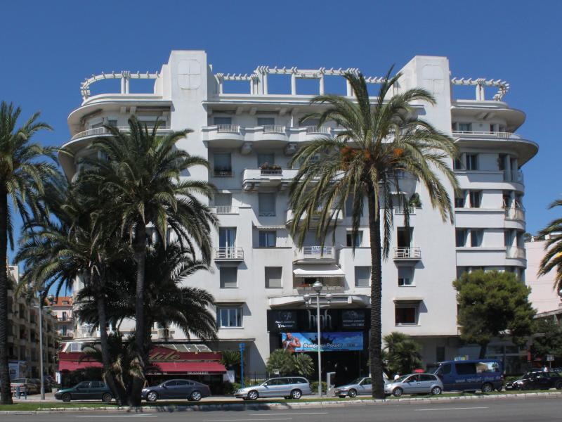 Our location on the Promenade des Anglais