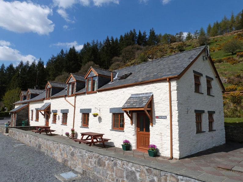 Beautiful Betws y Coed semi-detached cottage with stunning views