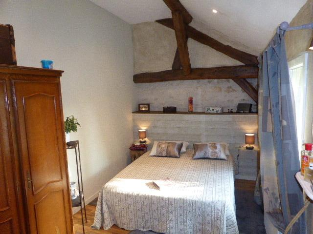 The room, spacious and clear, views of doorstep