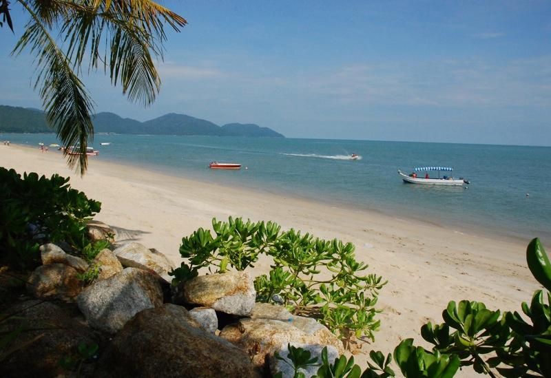 Directly opposite the picture perfect Batu Ferringhi beach