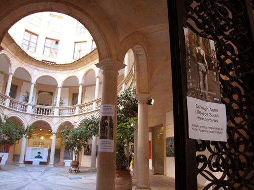Beautiful art exhibitions and art galleries only 2 min walk from apartment