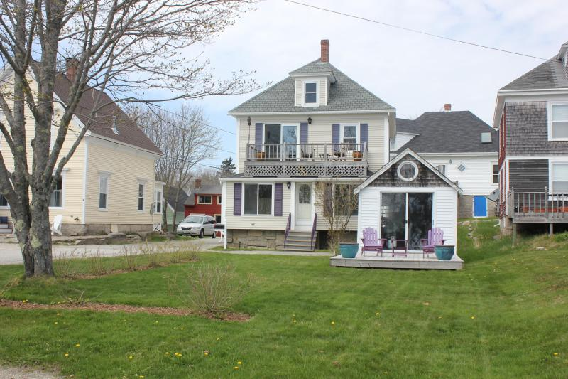 Pleasant View - Clean Comfortable In-town*wi-fi* - Image 1 - Stonington - rentals