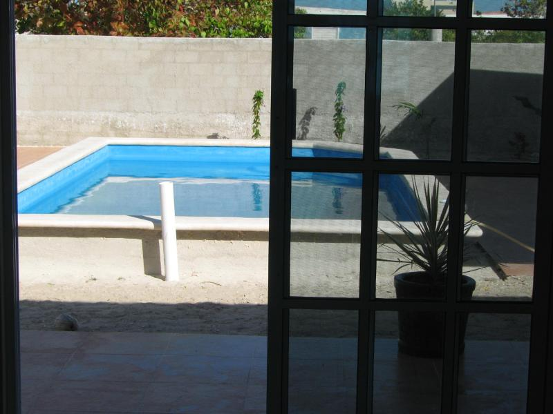 Large 3-bedroom house with a pool in Chelem - Image 1 - Chelem - rentals