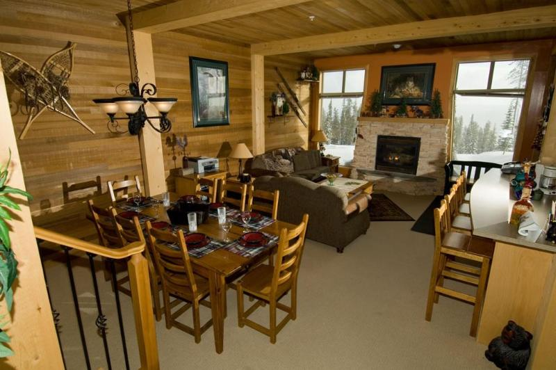 Comfortable/Cozy Ski Condo Big White BC Ski in/out - Image 1 - Kelowna - rentals