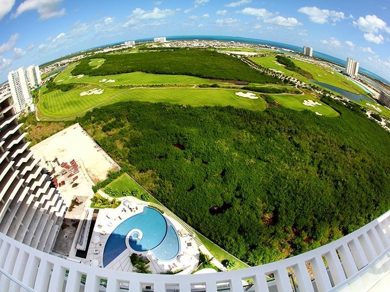 www.letsgovr.com - Puerto Cancun, Golf Course Front!! 3bed/ 3.5 baths - Cancun - rentals