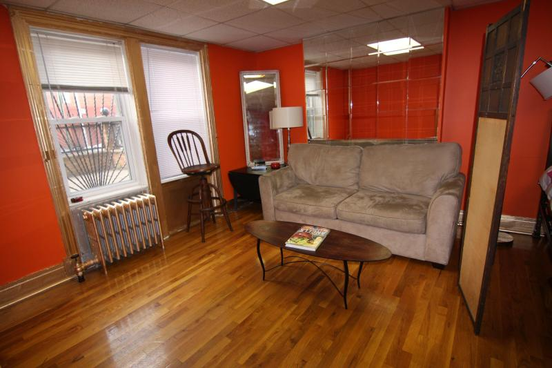 Spacious 2 Bedroom Apt, Enormous Private Garden - Image 1 - Brooklyn - rentals