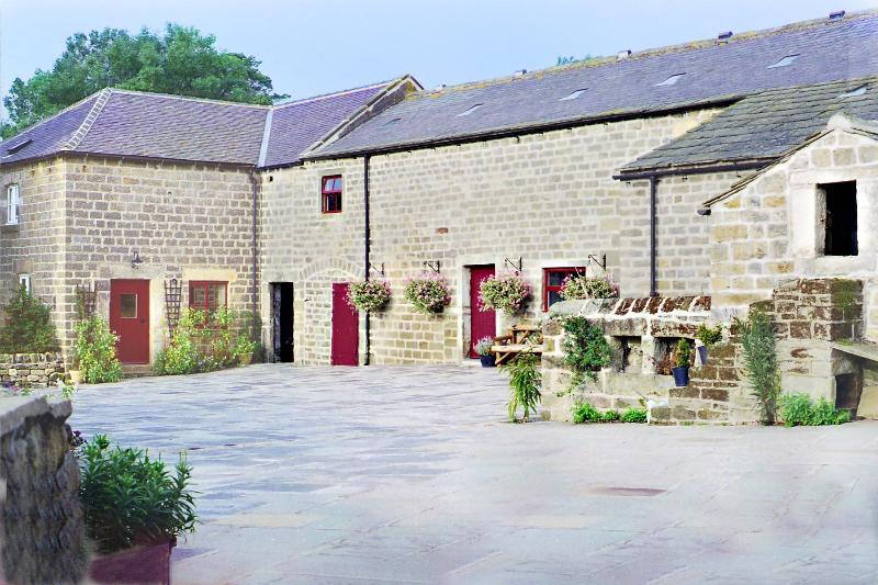 The farm buildings are in Yorkshire stone and date from the eighteenth and nineteenth centuries.