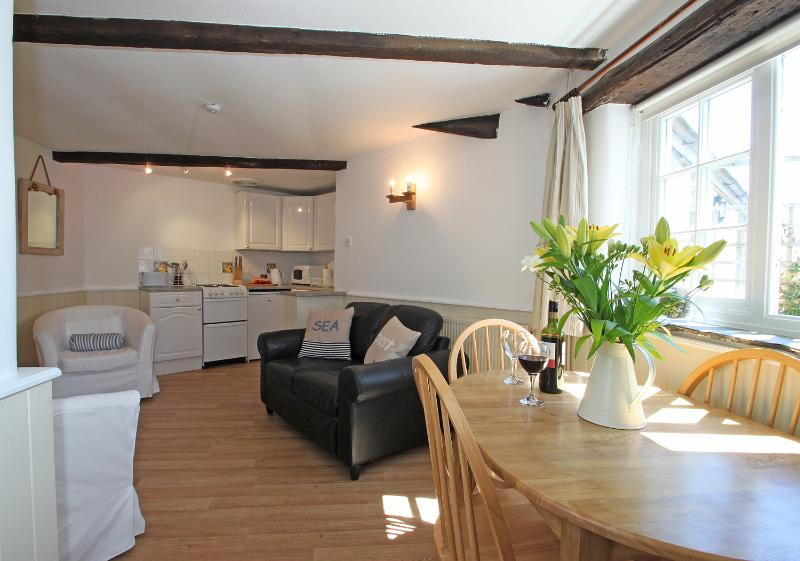 Enjoy a relaxing get away break at this lovely converted barn on the North Devon Coast