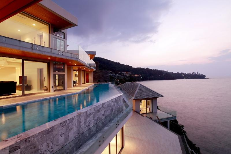 Private pool overlooking the bay