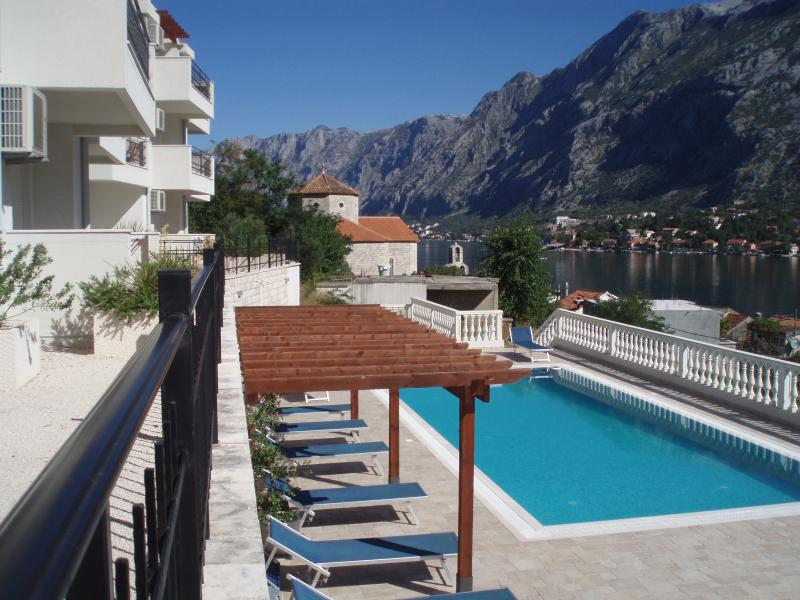 The apartments, with pool and sun terrace