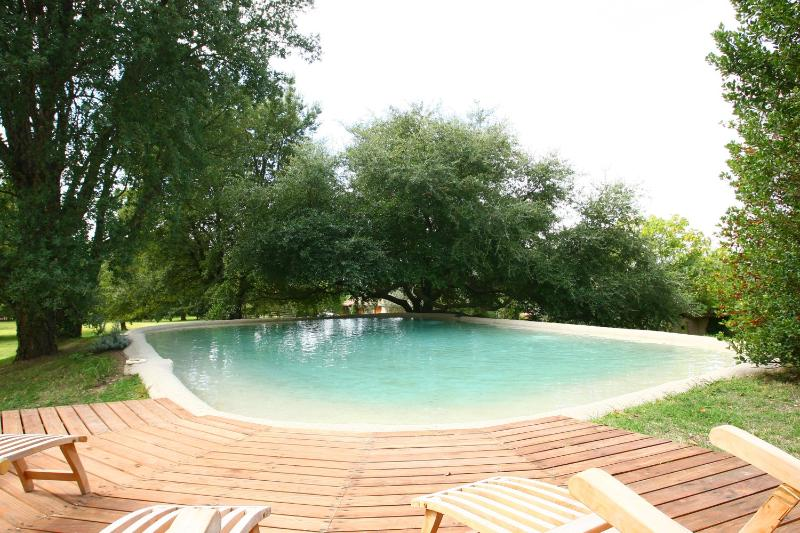 Pool with deck, photo courtesy of Corrado Bonomo, Ville e Casali magazine