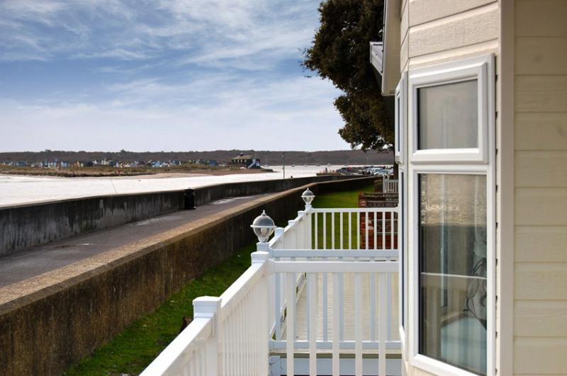 Stunning sea views - imagine sitting outside with a glass of wine or even breakfast!!