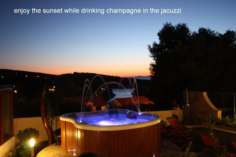 Jacuzzi and swimmingpool in our beautiful garden