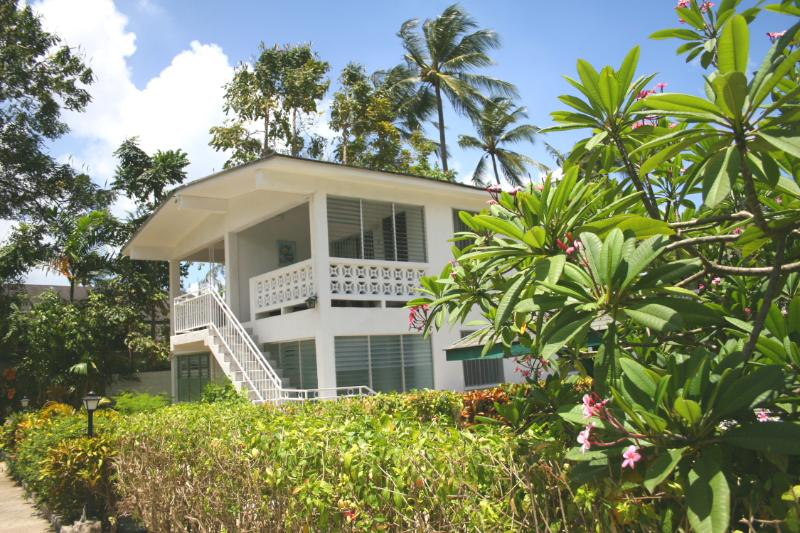 First floor apartment 35 yards from the beach
