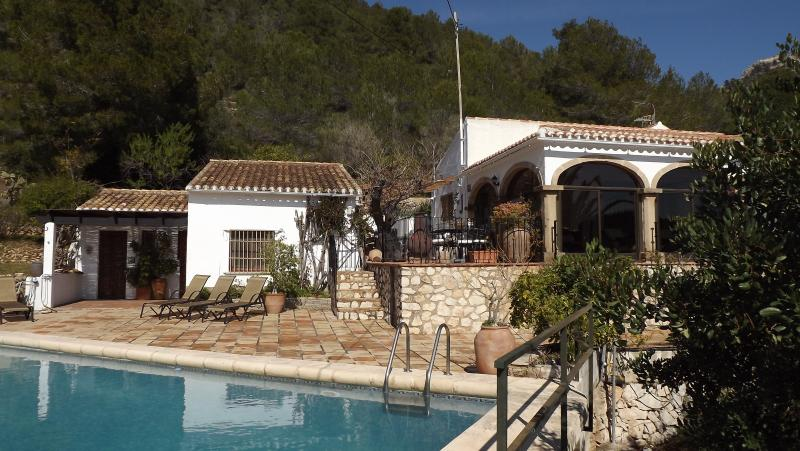 Quiet and secluded pool area with access from main house and seperate pool apartment.
