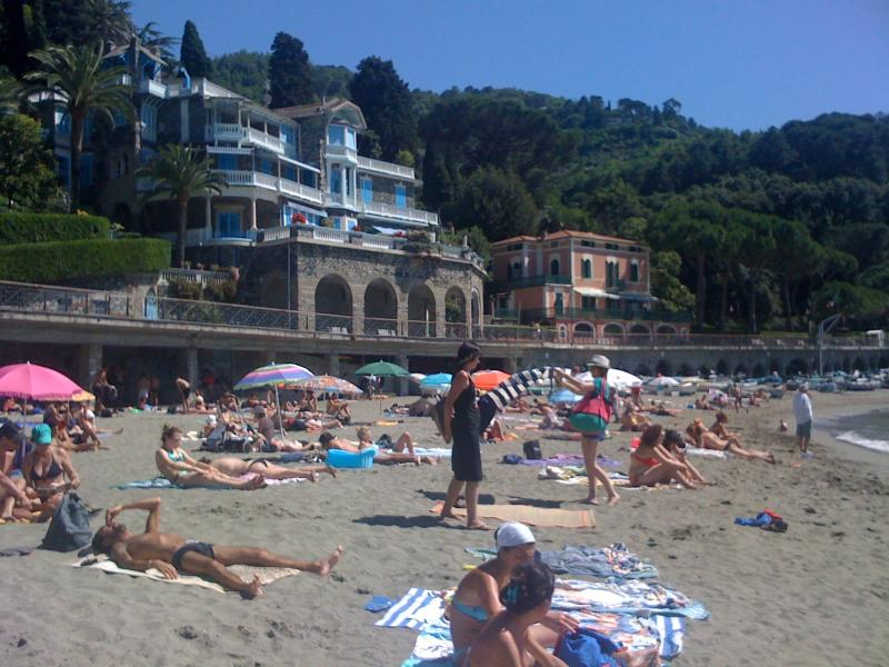 The wonderful beach of Lévanto
