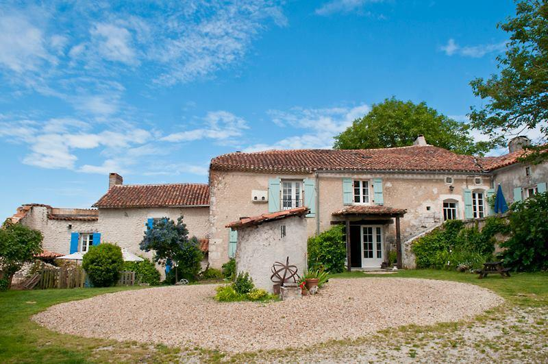 Les Chauvins, The Farmhouse & The Maison D'Amis (look onto the courtyard with original well