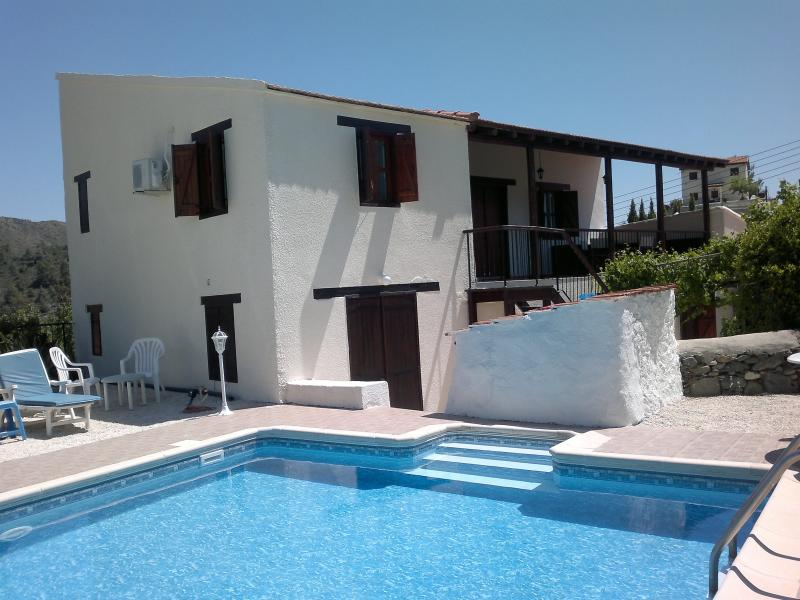 HOUSE FROM SWIMMING POOL